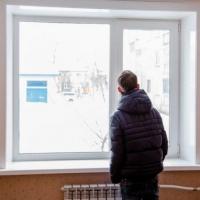 В 2019 году выпускникам омских детдомов должны купить 204 квартиры