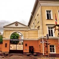 Рособрнадзор нашел нарушения в работе частного омского вуза