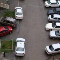Омич донес на своего соседа, чтобы решить вопрос с парковочным местом