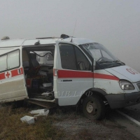 В Омской области автоледи на «Ауди-100» при обгоне зацепила «скорую»