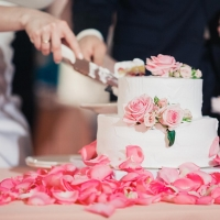 Украшение и декорирование свадебного торта