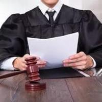 Жителя Омской области будут судить за оскорбление федерального судьи