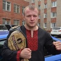 Омский боец Шлеменко проиграл бой за титул чемпиона Bellator
