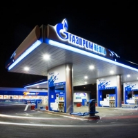 """Реализация нефтепродуктов в сети АЗС """"Газпромнефть"""" выросла в 2014 году на 9%"""