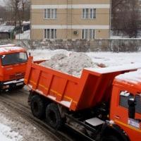 Омичам напомнили о необходимости вывоза снега