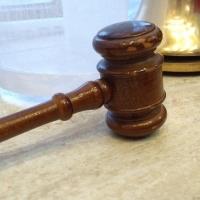 В Омском районе водителя приговорили к трем с половиной годам лишения свободы за смертельное ДТП