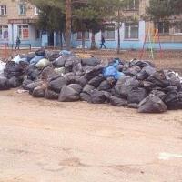 Двораковский обвиняет в складировании мешков с мусором самих омичей