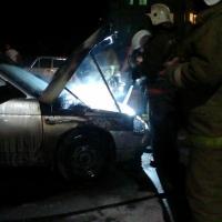 На 10-й Чередовой улице Омска загорелась машина