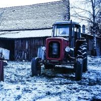 Омич угнал трактор, чтобы съездить за спиртным