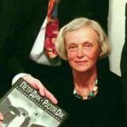 Вдова художника Петра Дика подарила омским музеям 68 картин мужа