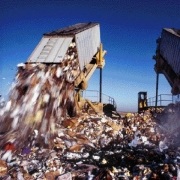 Омской области дадут 2 миллиарда на переработку мусора