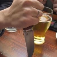 На 40-летнего омича напал родственник с ножом