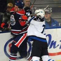 Омский хоккеист пропустит старт сезона в НХЛ