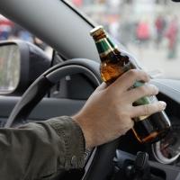 В Омске задержан пьяный водитель, выпрыгнувший из машины на ходу