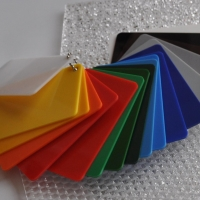Многообразие вариантов применения листового пластика