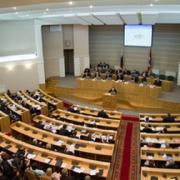"""Заксобрание утвердило """"непростой"""" бюджет Омской области на 2014 год"""