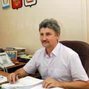 Мэра Калачинска требуют снять с выборов за бесплатный телепиар