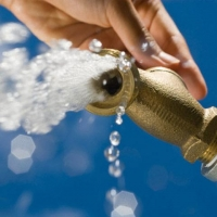 Перед Новым годом омичи начали экономить воду