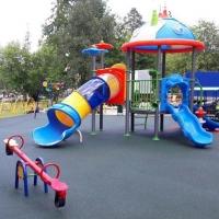 В Омске построят детскую площадку за 218 тысяч рублей