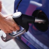 В Омске взлетели цены на бензин