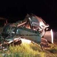 По пути в Омск в аварии погибли водитель и его 14-летняя пассажирка