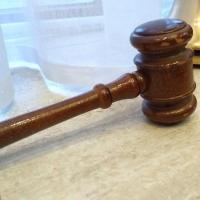 В Омской области директора телеканала суд приговорил к условному сроку
