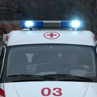 В Омске водитель сбил девушку и протаранил остановку