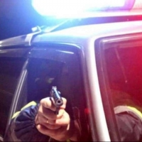 Полицейские Омска обстреляли BMW