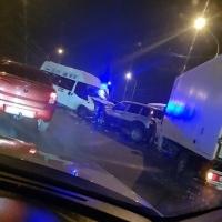 На Ленинградском мосту в Омске столкнулись 2 автобуса и 3 легковушки