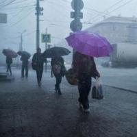 Ливни и грозы заставили МЧС перейти в режим повышенной готовности