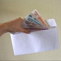 В Омске будут судить предпринимателя, платившего сотрудникам зарплату в конвертах