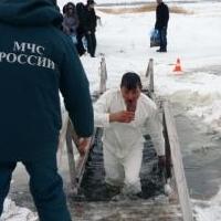 В крещенских купаниях поучаствовали около 4 тысяч омичей