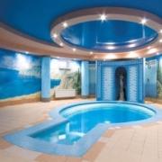 Как не превратить бассейн в баню?