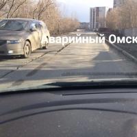 В Омске треснула отремонтированная в прошлом году дорога