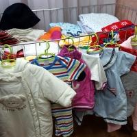 В Омске организовали обмен детскими вещами