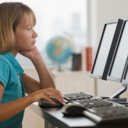 Домашние задания школьники качают из Интернета