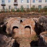 Под разрушенным омским собором обнаружили останки младенца столетней давности
