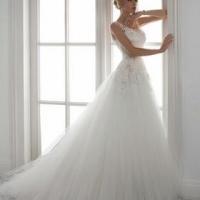 Скоротечный мир моды и неизменные свадебные традиции