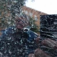 В центре Омска неизвестные обстреляли кроссовер