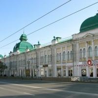 На Любинском проспекте появятся таблички на двух языках и с QR-кодом