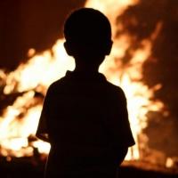 Детей, потерявших родителей при пожаре в Омской области, отправят в приют