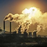 Правительство Омской области утвердило план по борьбе с выбросами
