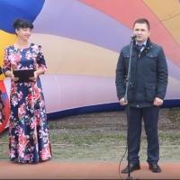 Жителям поселка Москаленки подарили сертификат на экран для 3D-кинотеатра