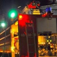 В Омске при тушении пожара на автостоянке чуть не погиб сторож