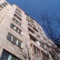 Тяжелобольной омич выпал из окна на 8 этаже