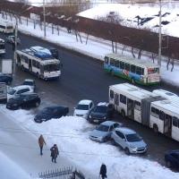До работы 65% омичей едет на общественном транспорте