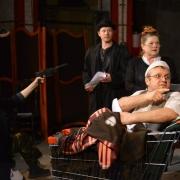 Омский драмтеатр отказался от бархата и лож