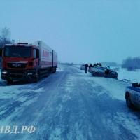 Под Омском в ДТП с большегрузом погиб пассажир легковушки