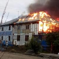 В двухэтажном доме сгорел юный омич