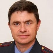 Экс-начальник омской ГИБДД пойдет под суд за бензин